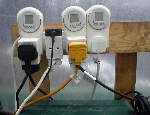 Timer Control for Nutrient Pumps And Sump Pumps